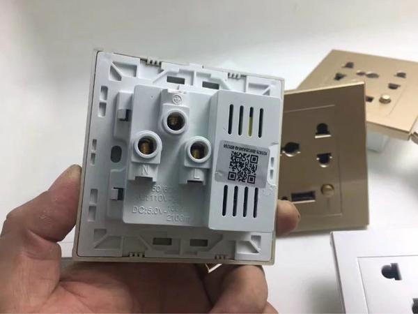 小型カメラ 隠し方