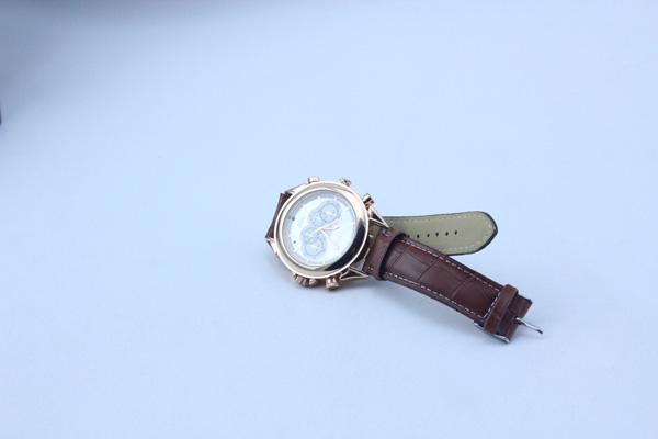 腕時計型の小型カメラ