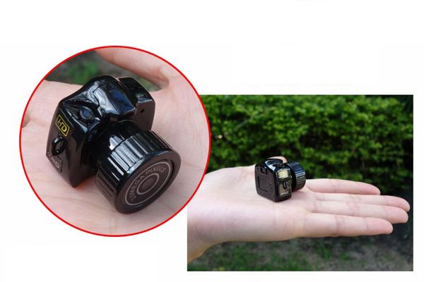 盗撮用小型カメラ